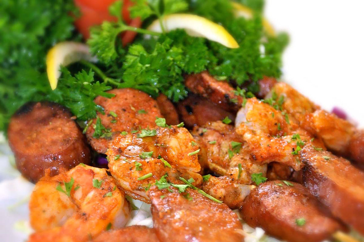 grilled_shrimp_and_andouille_sausages_brochettes